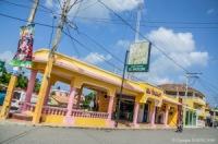 El Vacilon à Salinas, Bani, Peravia en République Dominicaine